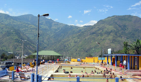 SPECTACULAR ANDEAN SCENERY AT THE BATHS