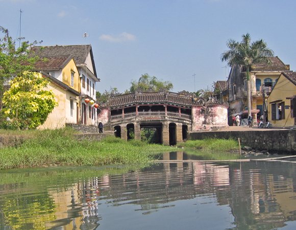 Ancient bridge Hoi An, Vietnam