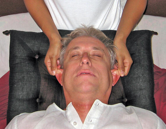 Ear release! Thai massage, Chiang Mai, Thailand