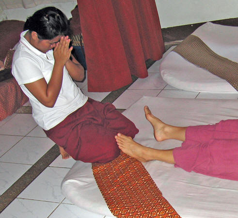 A becoming aligned with Akaisha as her client. Chiang Mai, Thailand