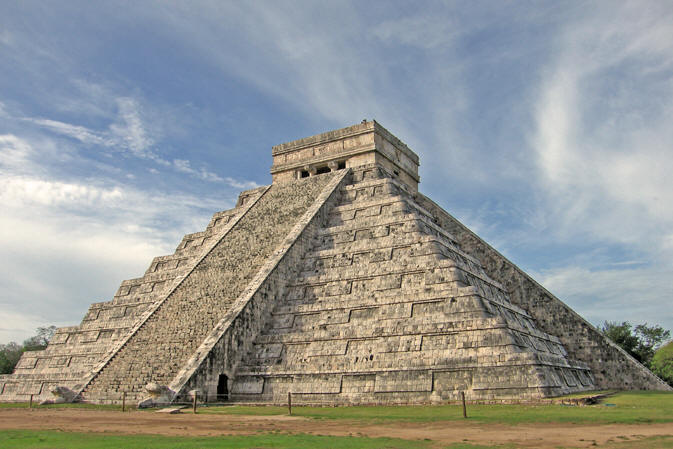 Ancient Pyramid in Chich'en Itza