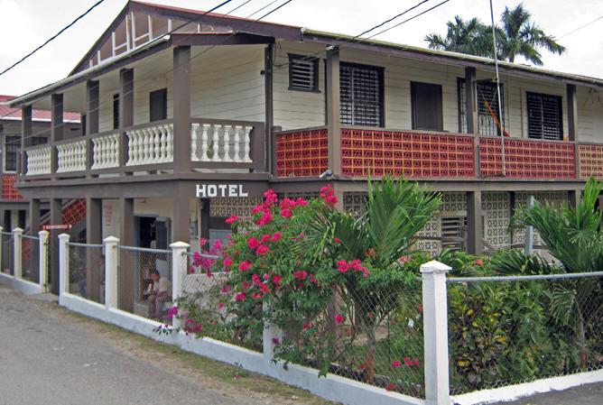 Grace Hotel And Restaurant Punta Gorda