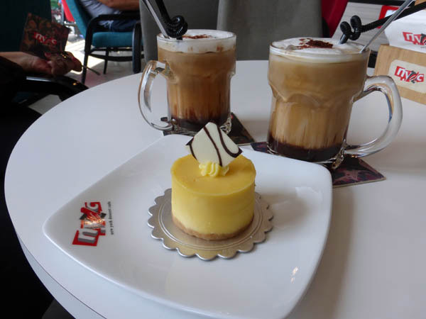 White chocolate cheese cake and coffee