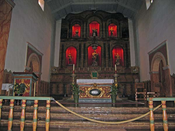 A closer look at the altar and the reredos