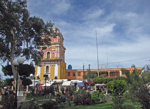 A very small section of the market is in the Plaza itself.