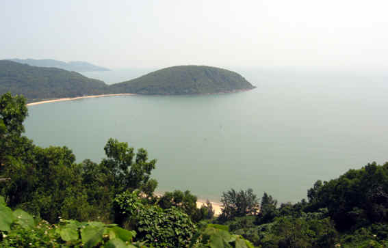 VIEW OF COASTLINE AT HAI VAN PASS
