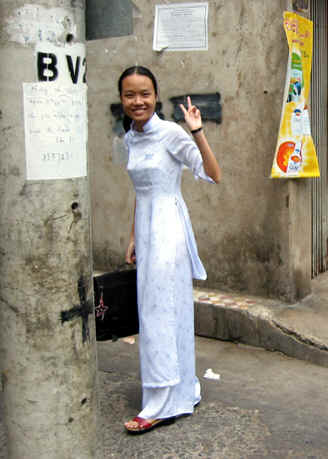Girl in traditional japanese clothing fucked - 5 5
